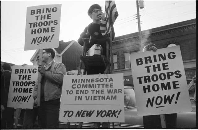 Anti-Vietnam War demonstration in Dinkytown, April 11, 1967. Photograph by St. Paul Dispatch-Pioneer Press.